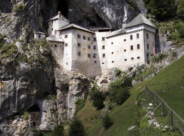 postojna-caves-and-predjama-castle